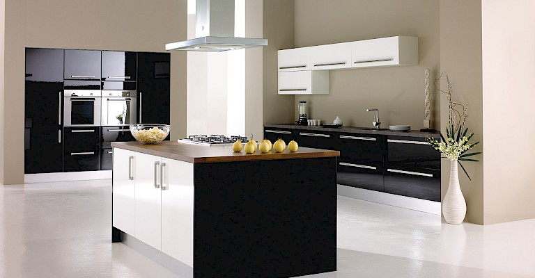 Stunning kitchen makeovers. Maximum impact. Minimum fuss.